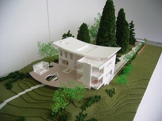 MODEL01.jpg